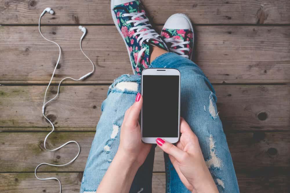Phone - Social Anxiety - Beachside